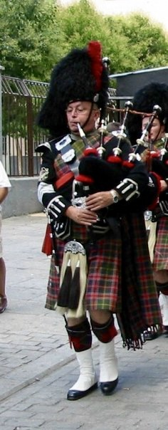Scottish Bagpiper Hire